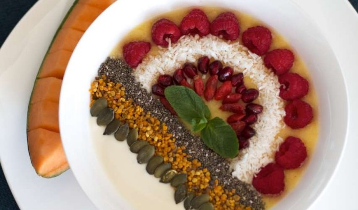Yellow Tropical Sunshine breakfast smoothie bowl